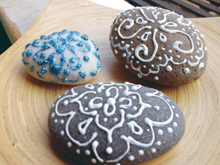 DIY Painted Stone Paperweight Henna Inspired - Hey Mishka