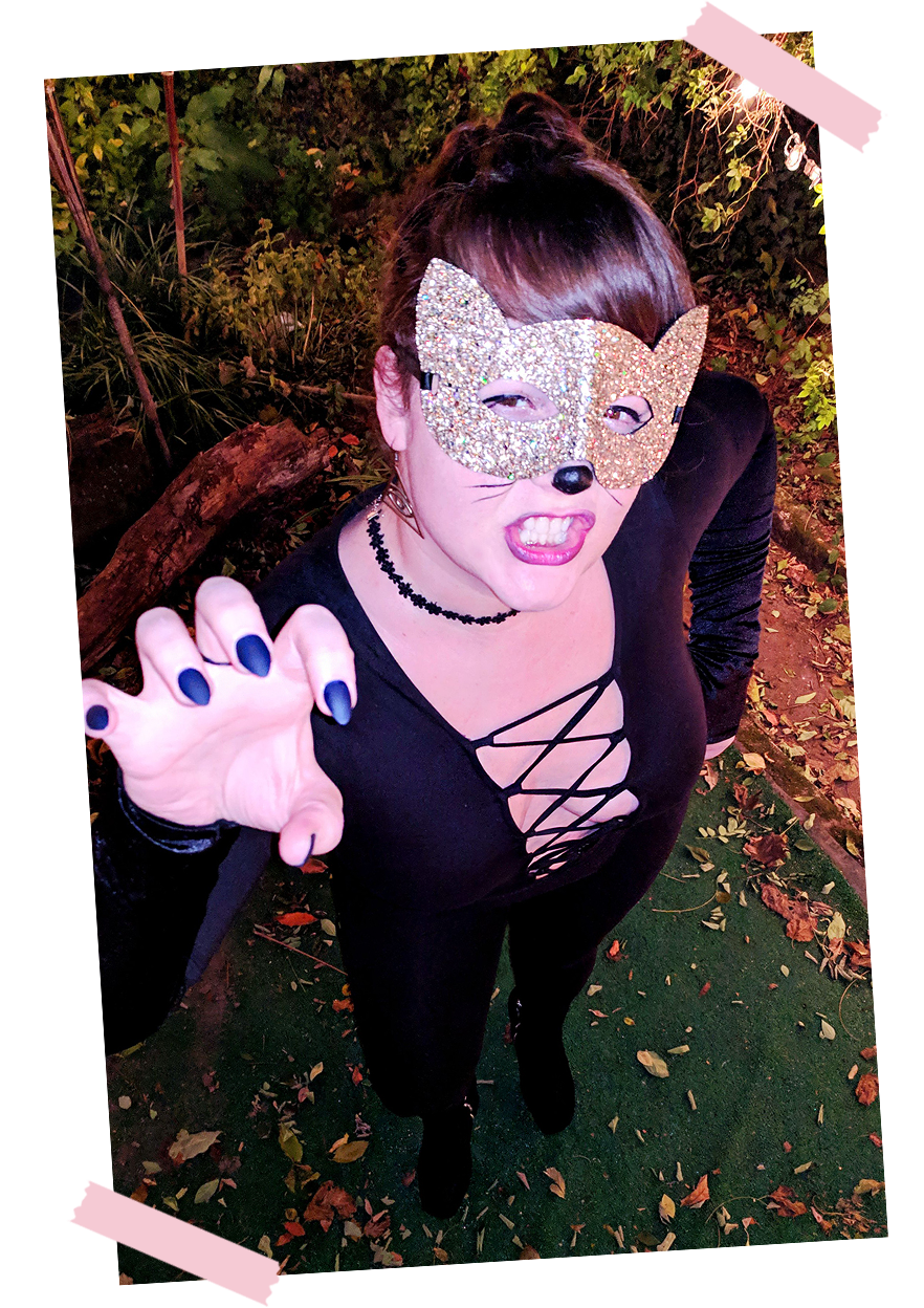 last-minute-easy-halloween-costumes-diy-sexy-cat-001