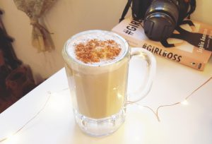 hey mishka - banana latte smoothie vanilla cinnamon healthy smoothie