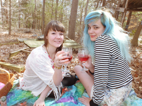 Natural Spring Jewelry, Wood Faeries & Pink Champagne - Hey Mishka bog - Spring Style Trends - 006